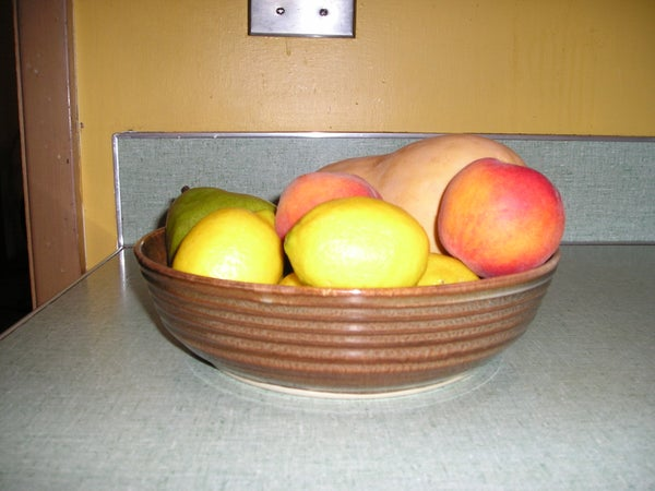 How to Pack Peaches for Lunch When There's a Chance That Containers Will Be Lost Throughout the Day