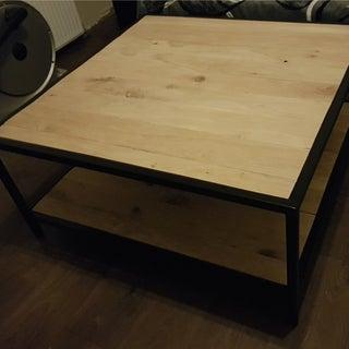 DIY Metal & Pallet Coffee Table