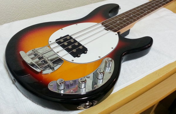 Tidy Up Your Bass or Guitar to Avoid RF Interference