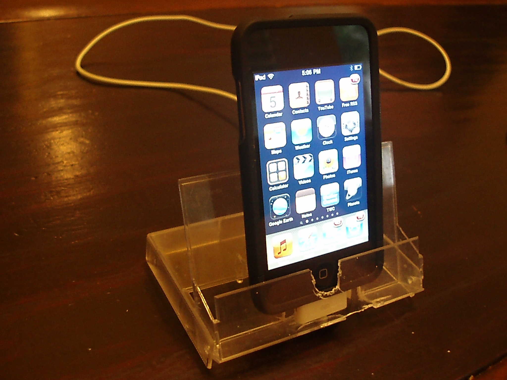 ipod touch dock from cassette case
