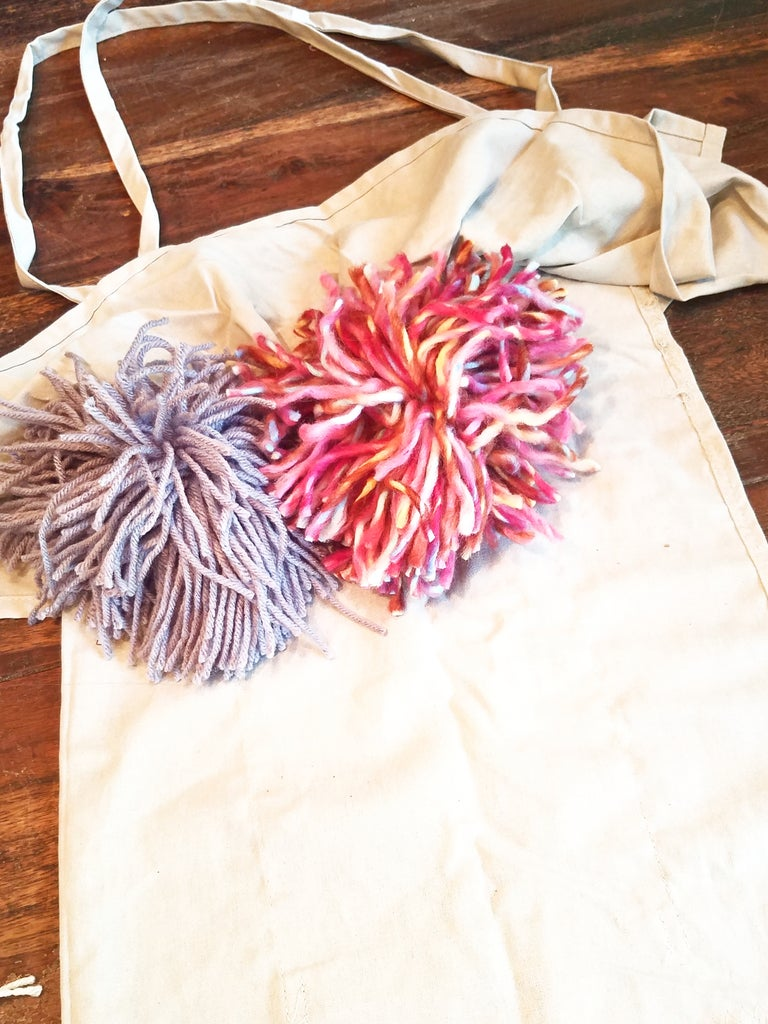 Lay Out Your Pom Poms