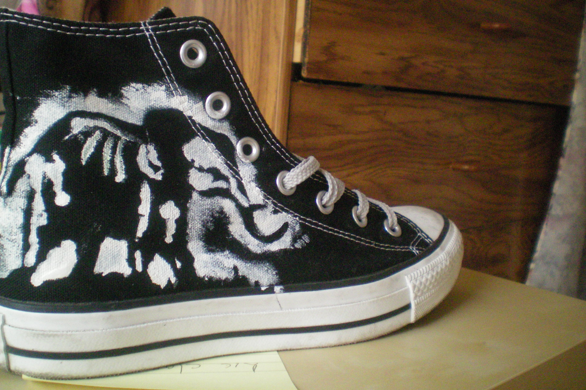 How to make a pair of converse your own