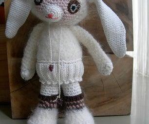 Strisser; White Rabbit Girl