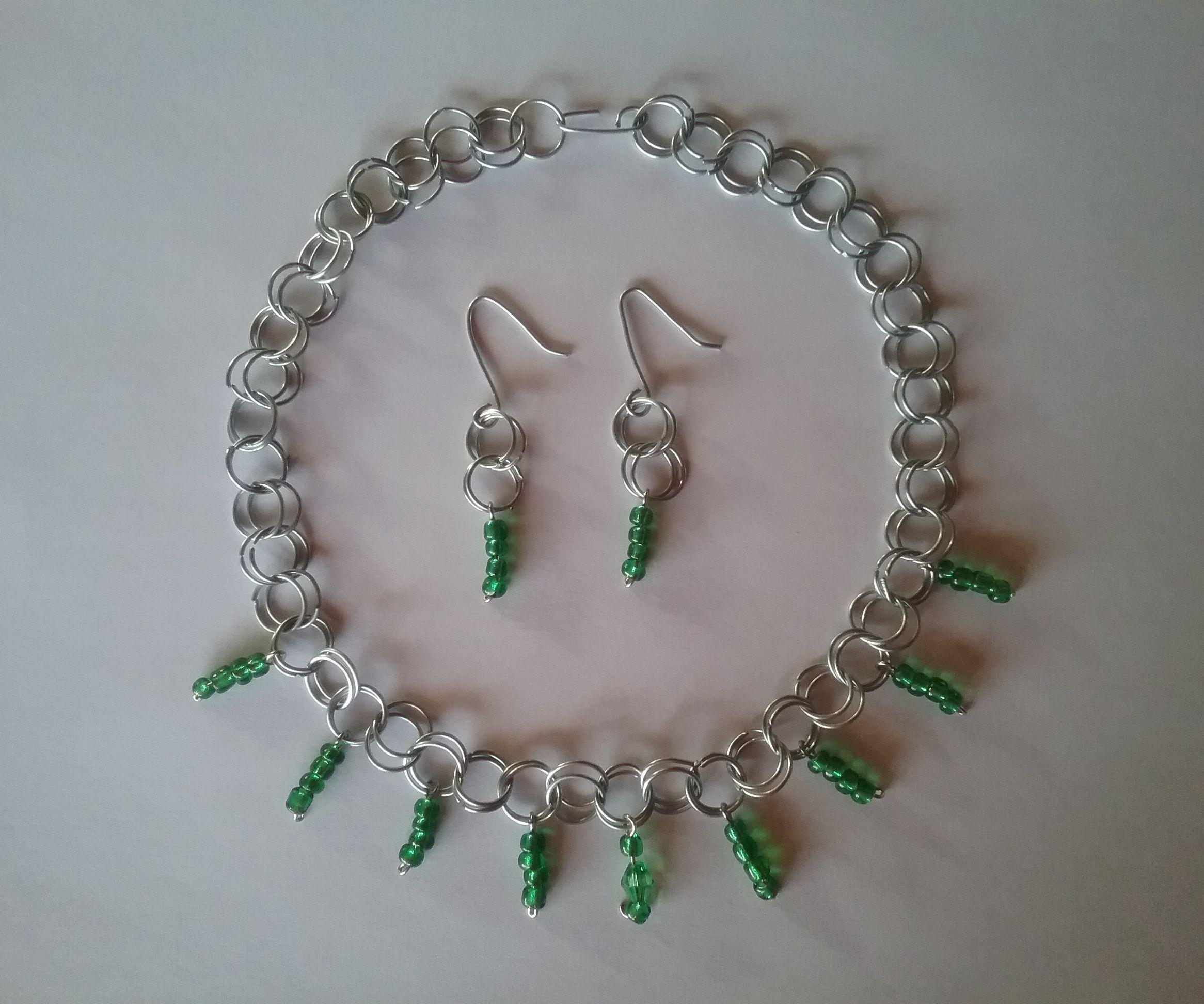 Emerald Chainmail Choker and Earrings