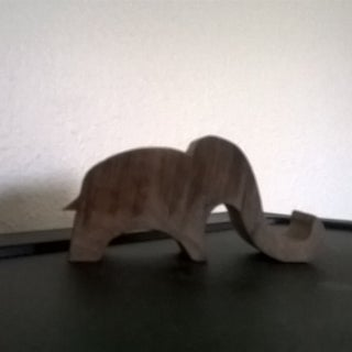 Elephant Smartphone Stand