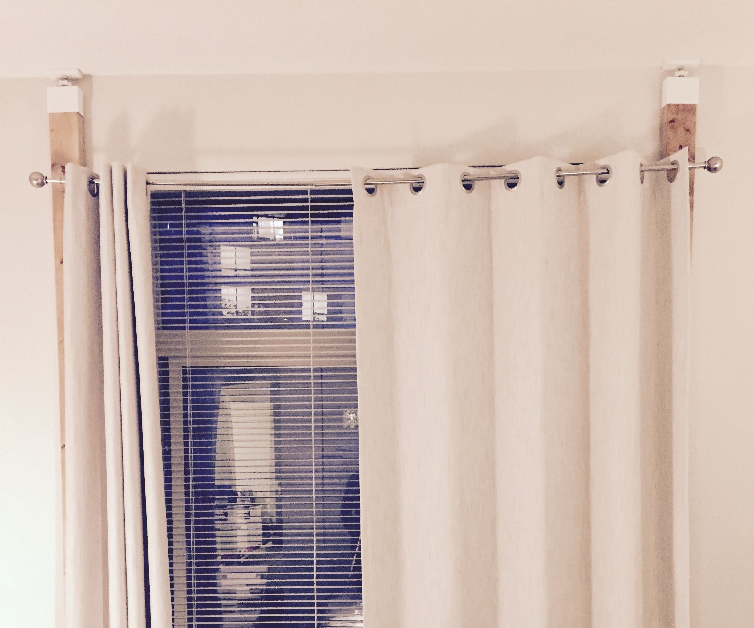 Hang Curtains Without Drilling Or Damaging The Wall 15 Steps Instructables