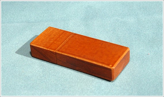 USB Made From Recycled Wood
