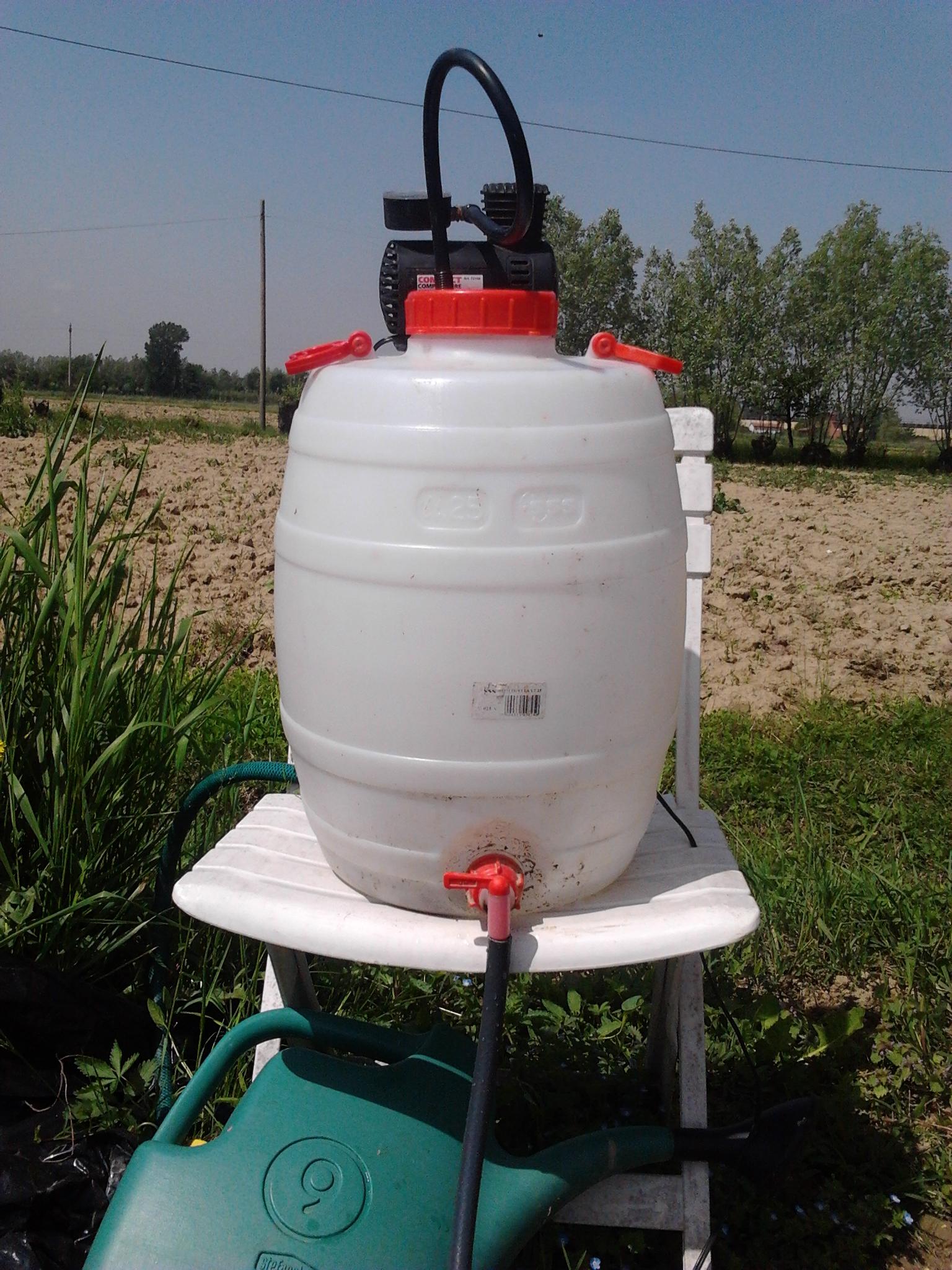Simple garden sprinkler with pressure booster home made.