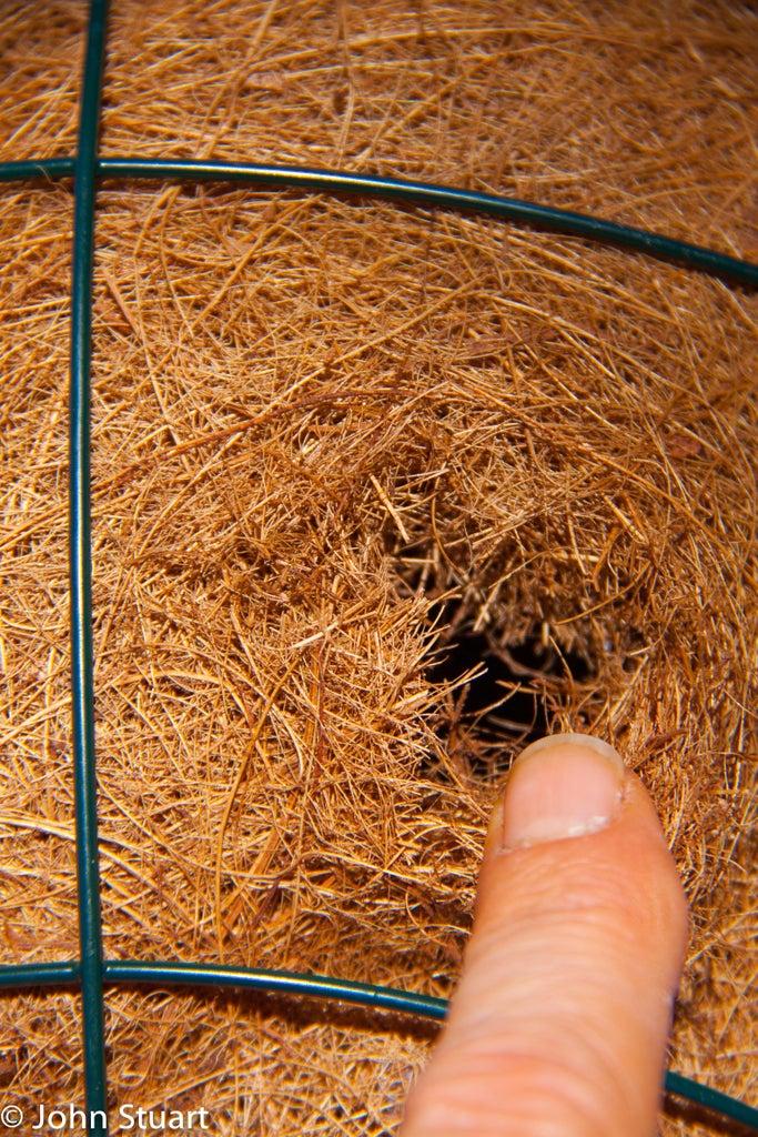 Prepare the Baskets and Water/fertiliser Reservoir