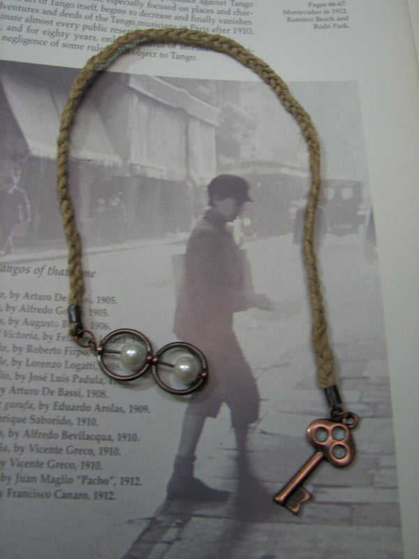 Bookmark Thong - a Great Wedding Favor Idea