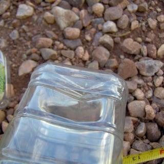 pet-bottles-to-boxes-05--naked-juice-450-mL--lid-fit-close.jpg