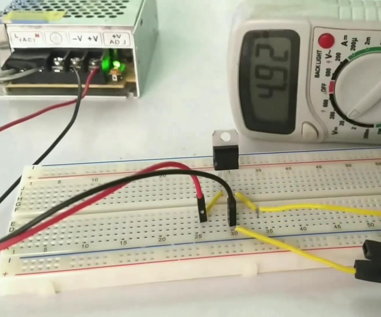 5v Voltage Regulator L 7805  Voltage Regulator IC