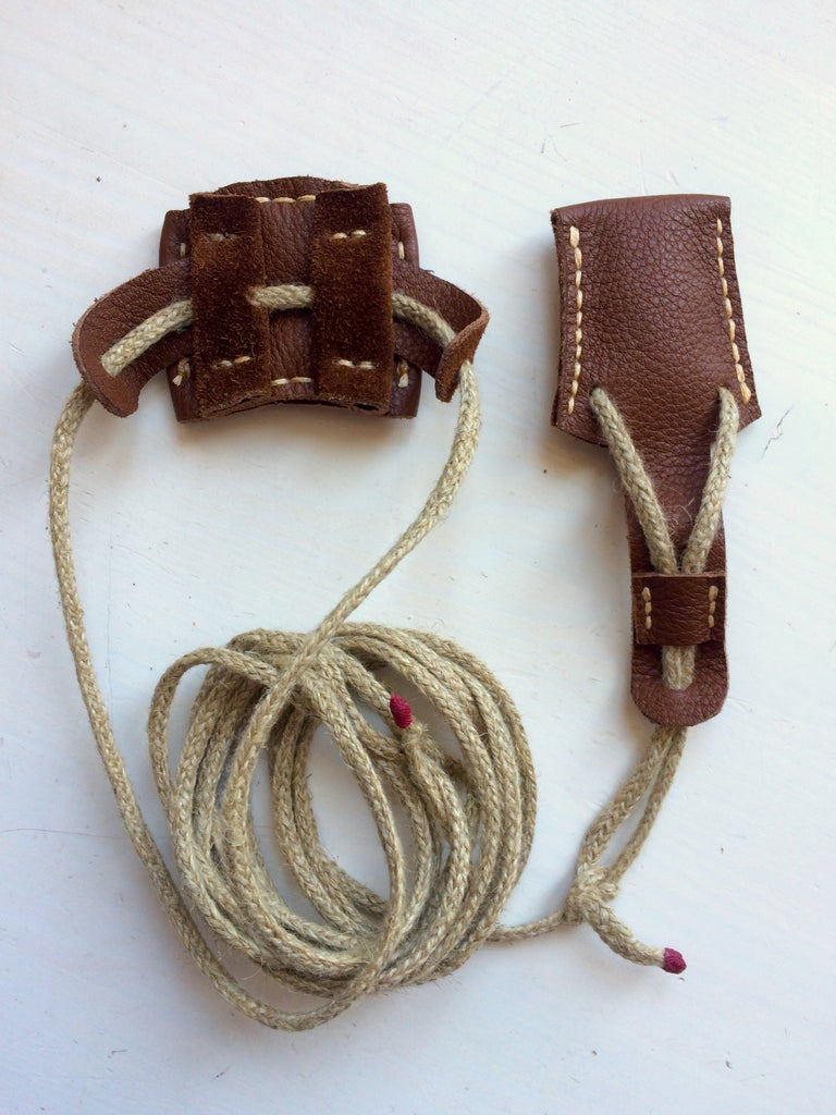 Leather Bow Stringer (archery)