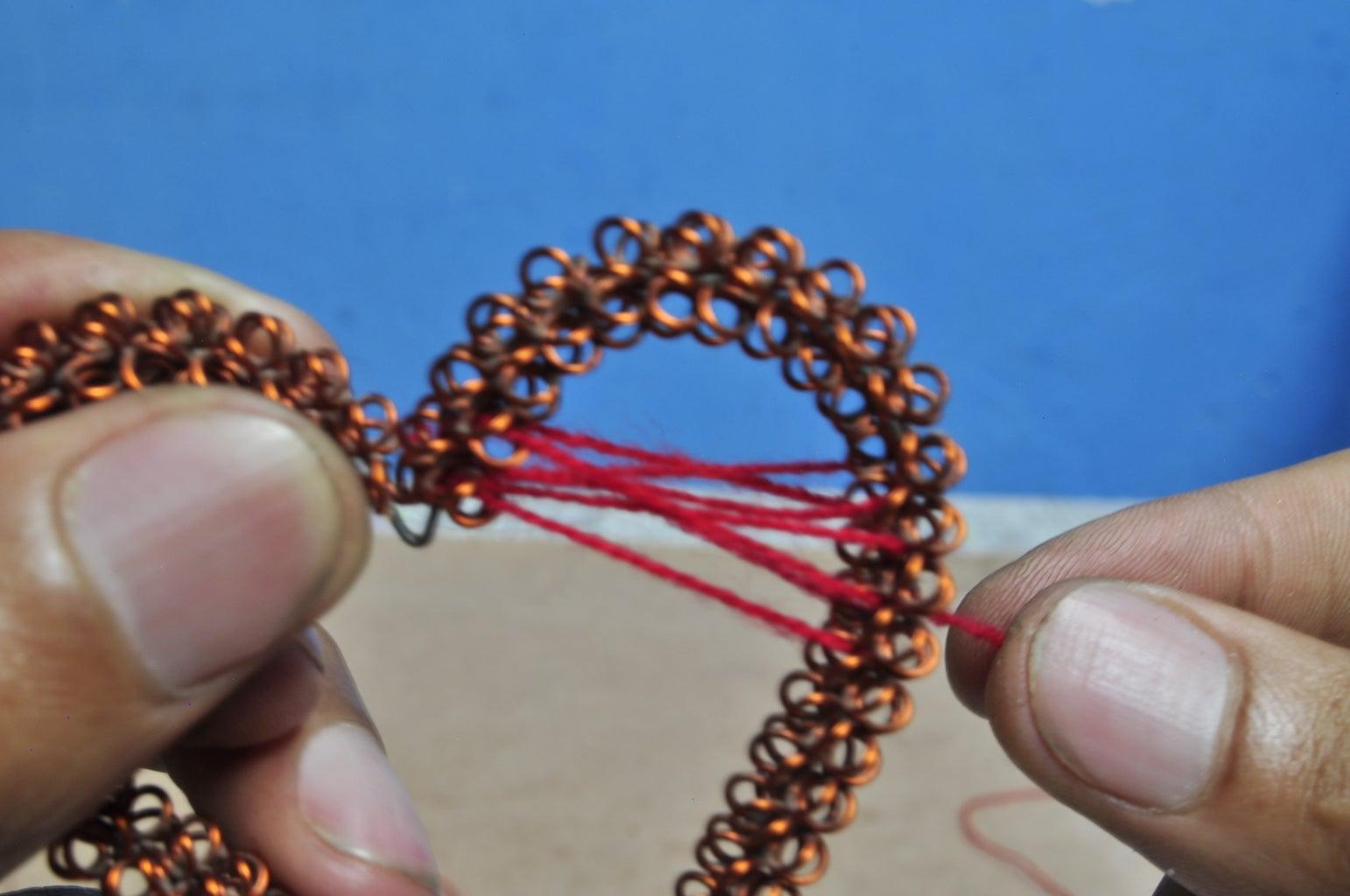 Weaving the Wool - Paso Cuatro