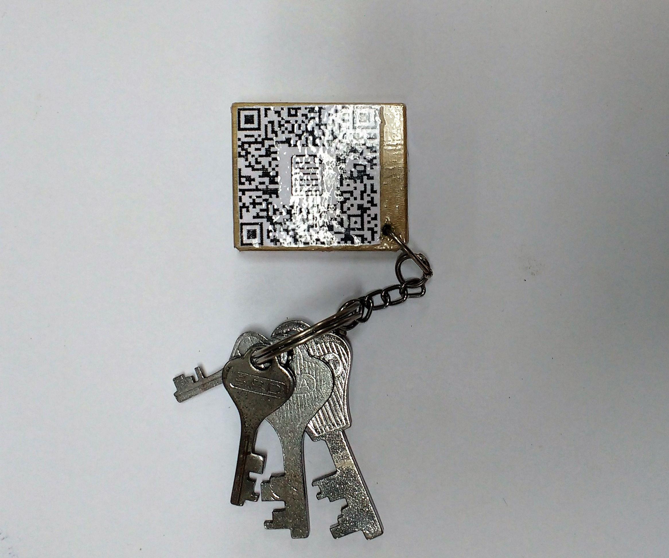 NEKI: Nerd Key Ring (Qr-Code Key Ring)