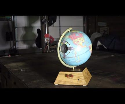 Battery-powered, Leslie style Amp made from a Globe