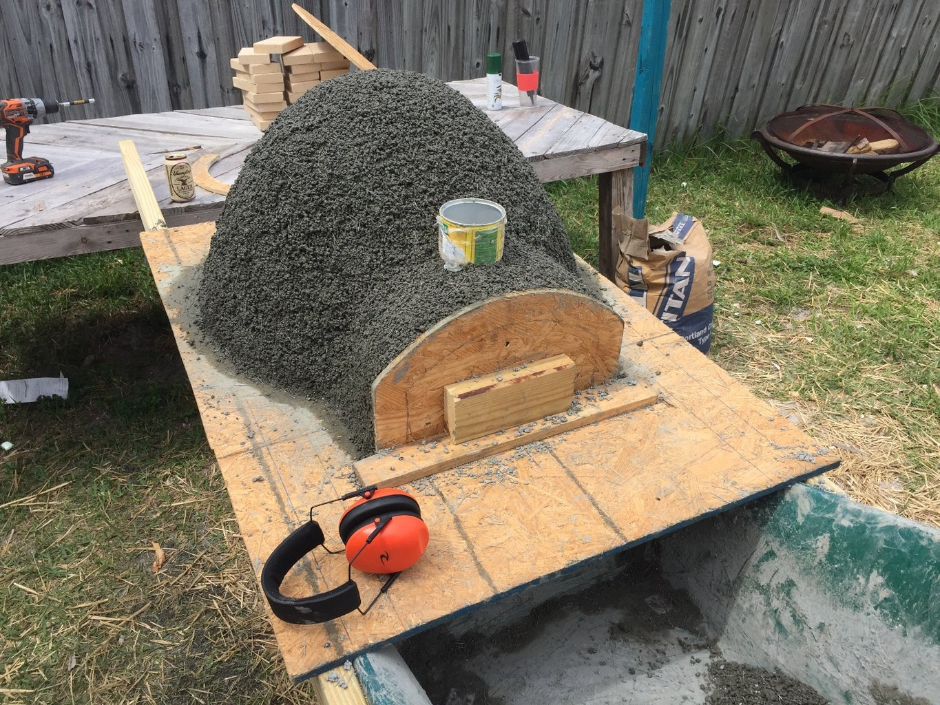 Concrete Mix and Molding to the Top Dome