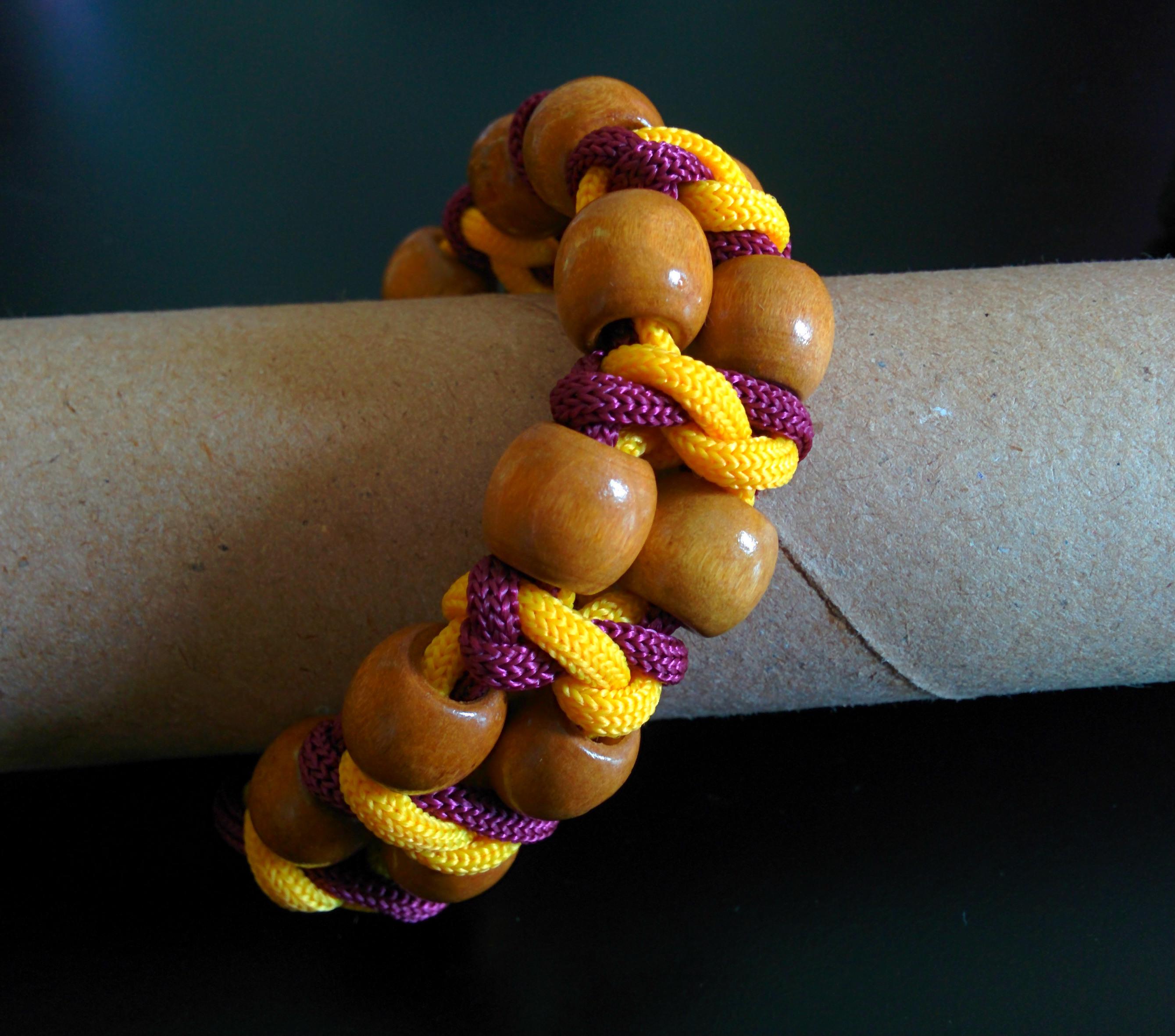 Unique paracord bracelet with wooden beads