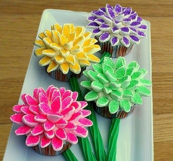 How to Make Marshmallow Flower Cupcakes