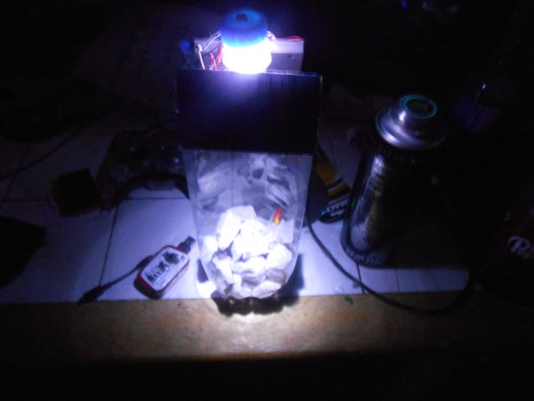 DIY Solar Rechargeable Automatic Night Light (outside Use)