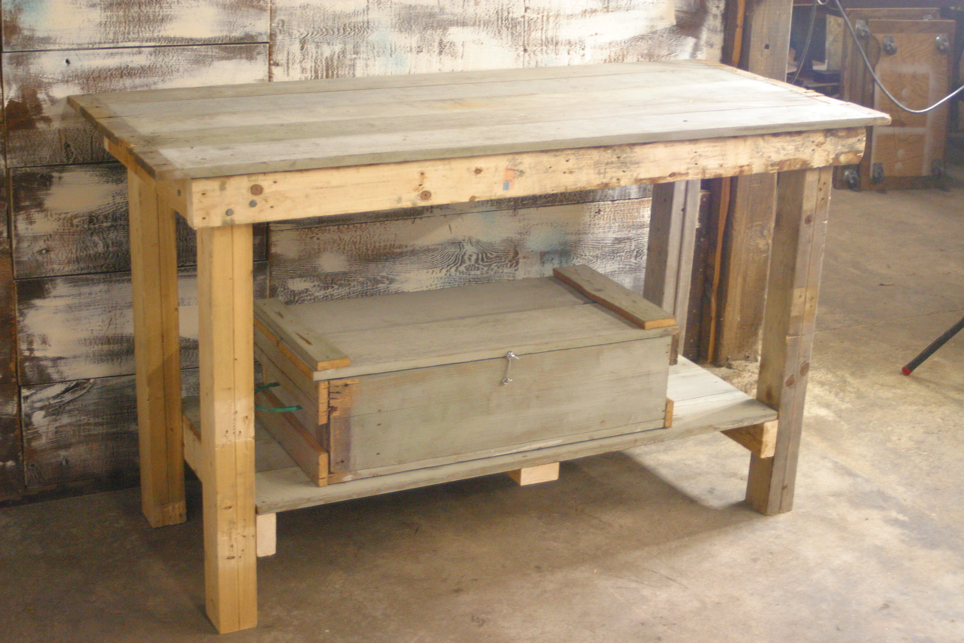 build your own workbench out of free wood
