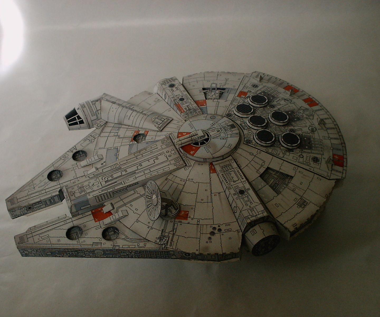 Papercraft (star wars and battlestar galactica)