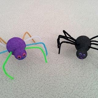 Super Easy Foam Spiders