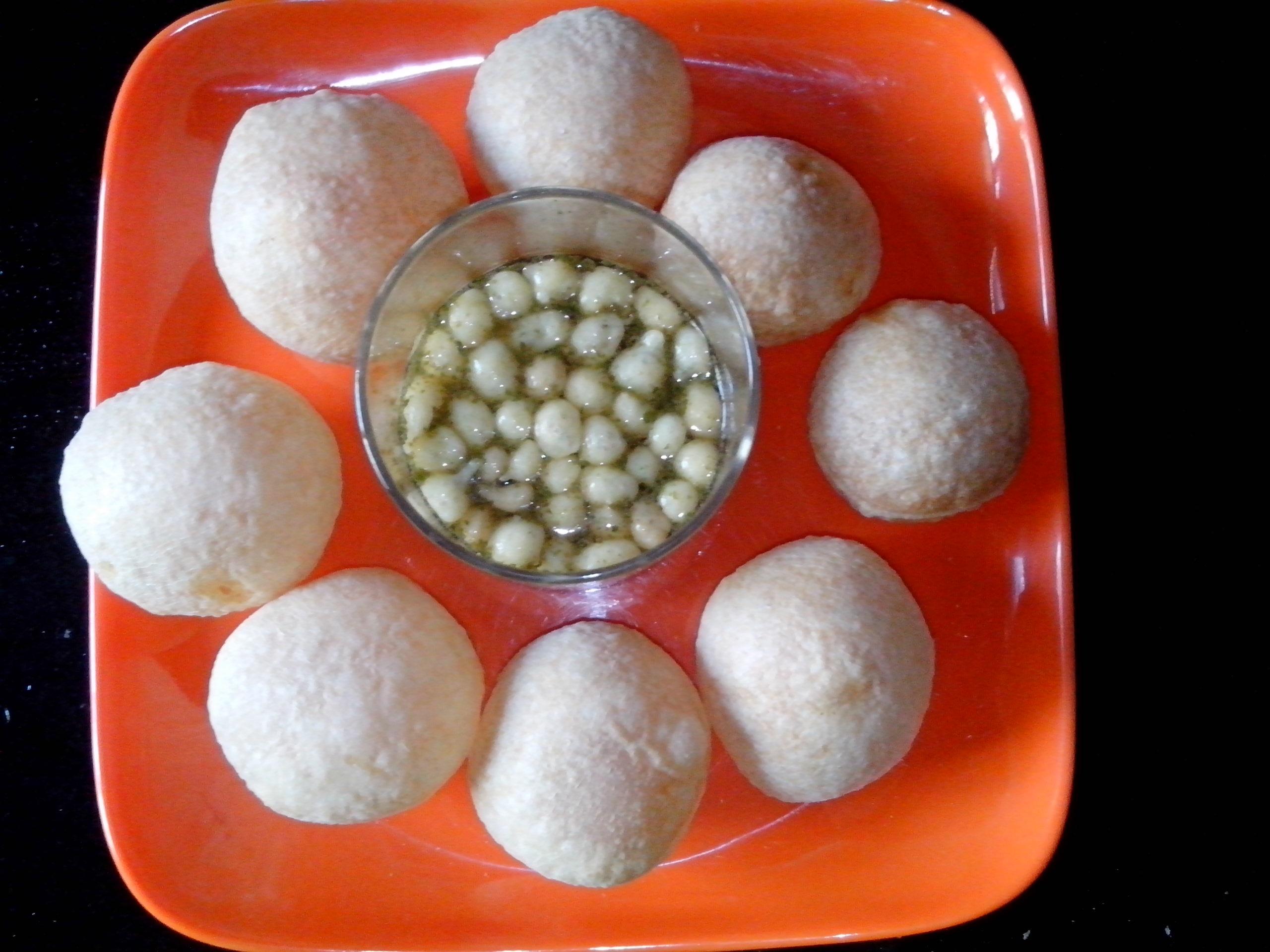 Pani Puri (Indian Recipe)
