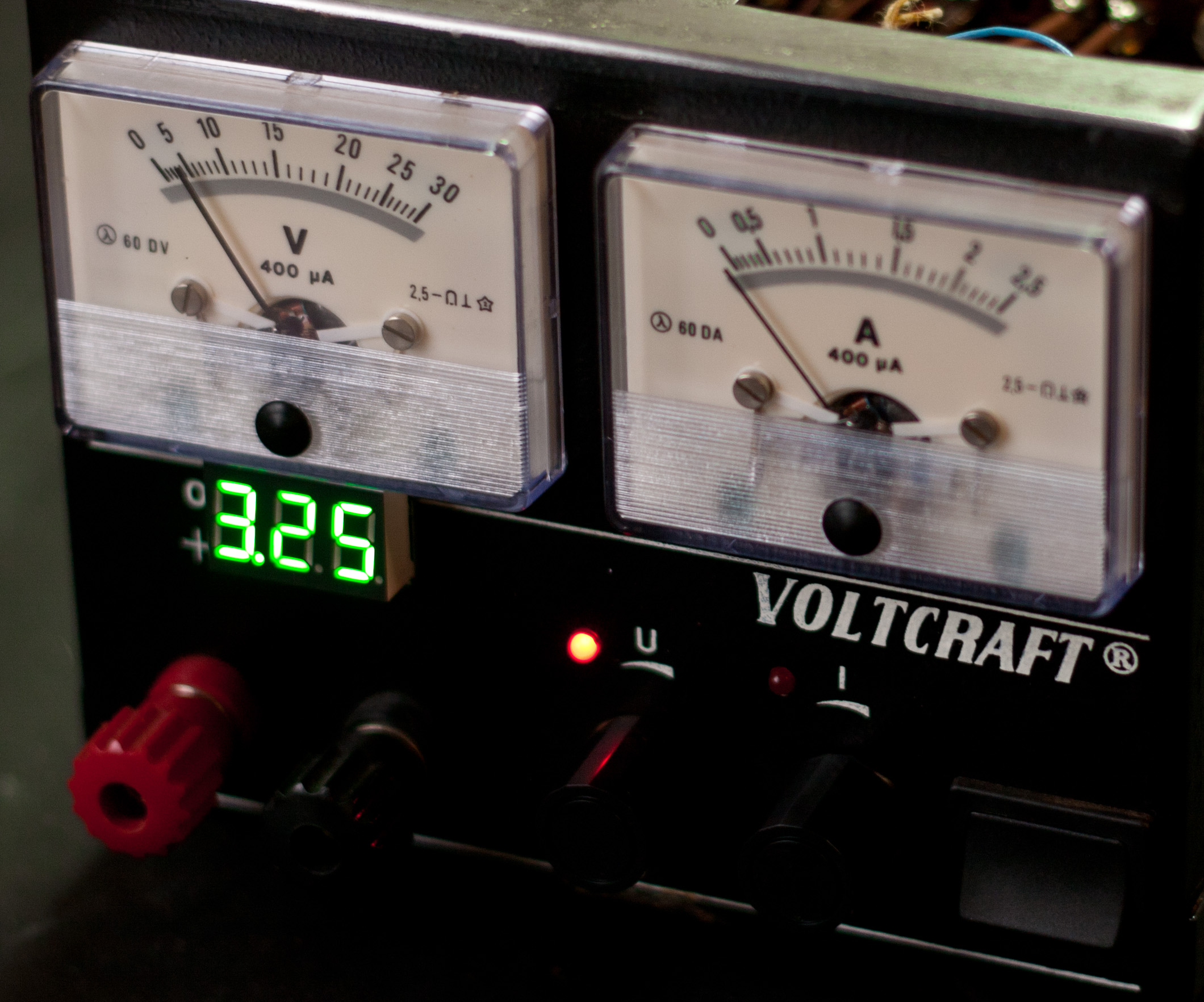 add a digital meter to your old analogical variable PSU
