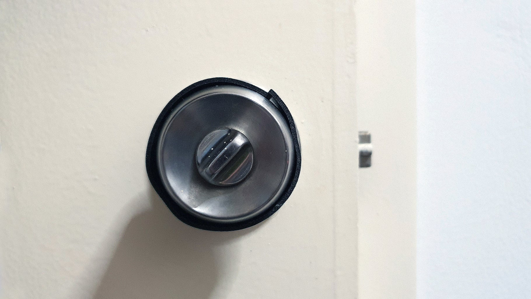 Wrap the Anti-slip Foam Around Your Door Knob
