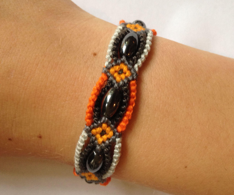 surrounded bead bracelet