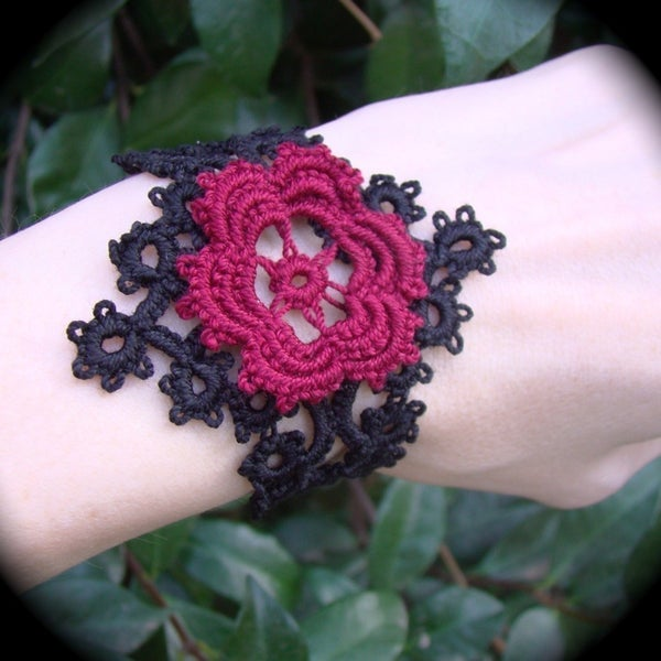 Tatted Lace Corsage Bracelet