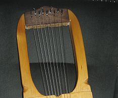 Sutton-Hoo Lyre or a saxon lyre