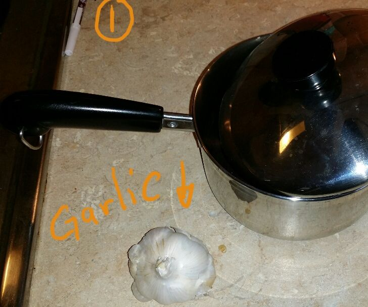 HOW TO PEEL GARLIC QUICKLY!!