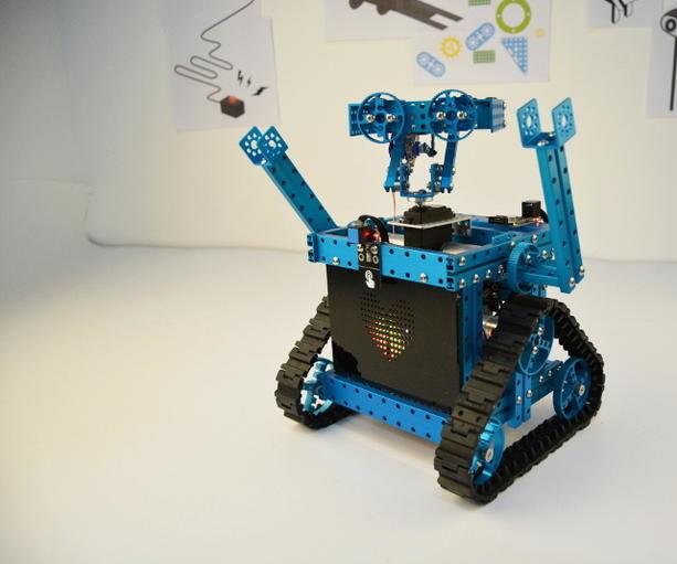 WALL-E Walk by Makeblock