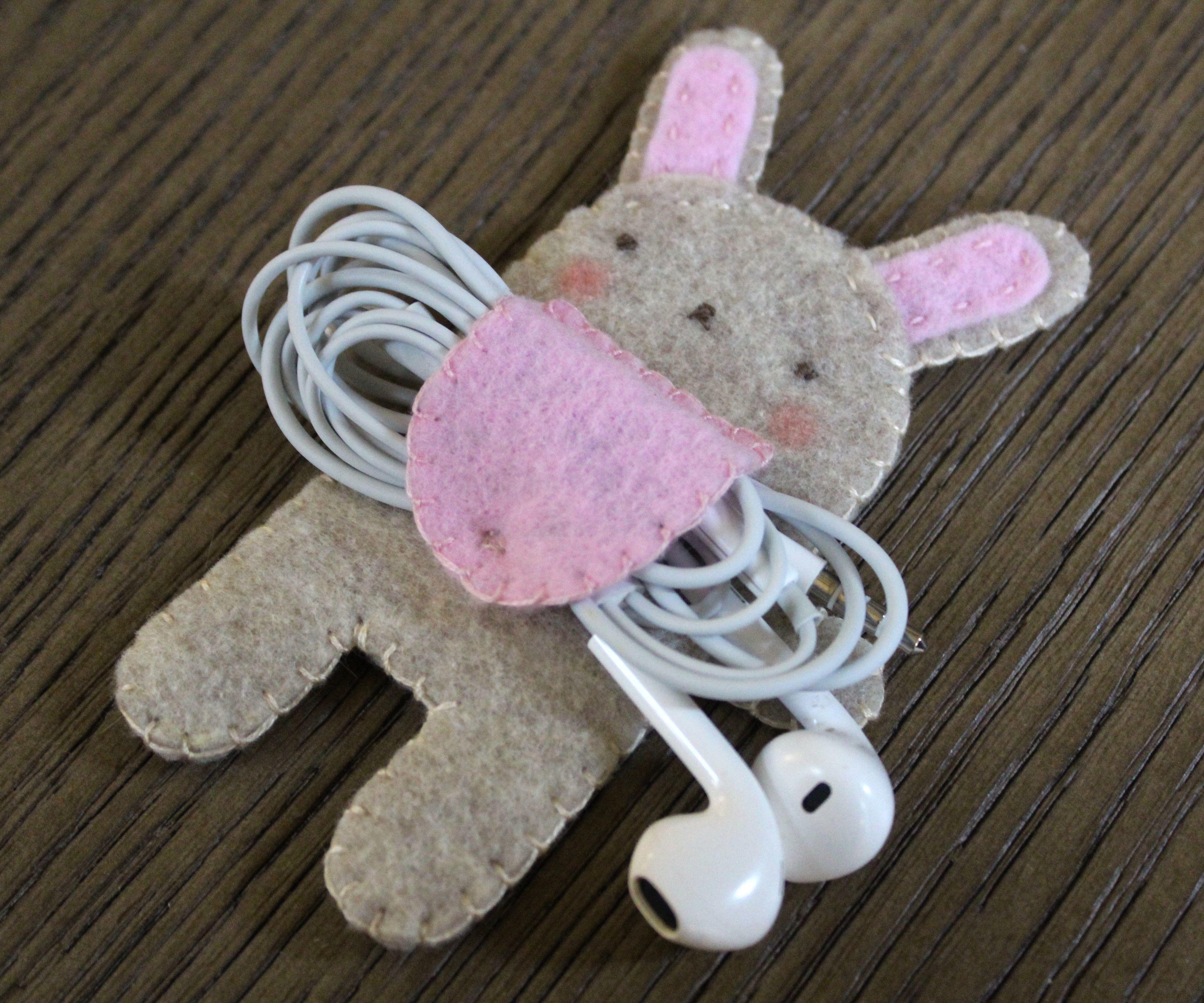 Felt Bunny Earphone Holder