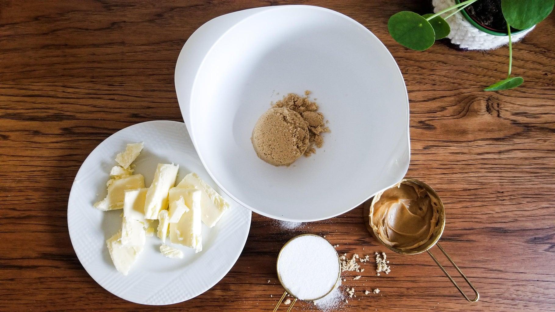 Cookies - Mix Wet Ingredients