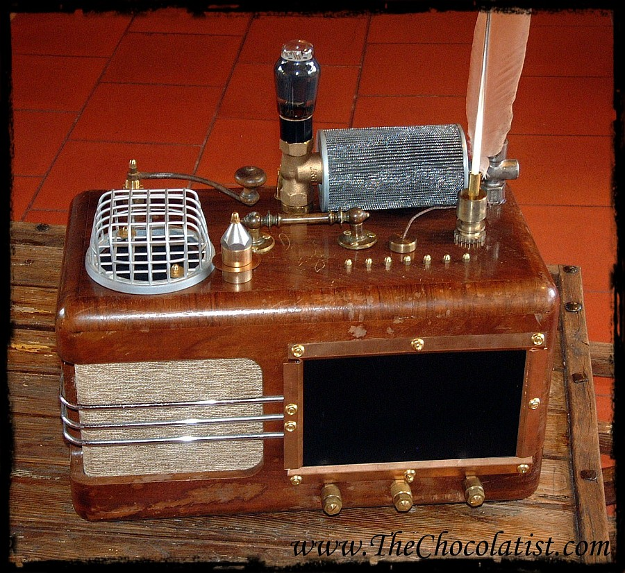The THEATRUM MAGICUS - A Steampunk Media Player for Music, Photos and Movies