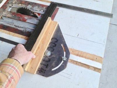 Preparing to Use the Saw