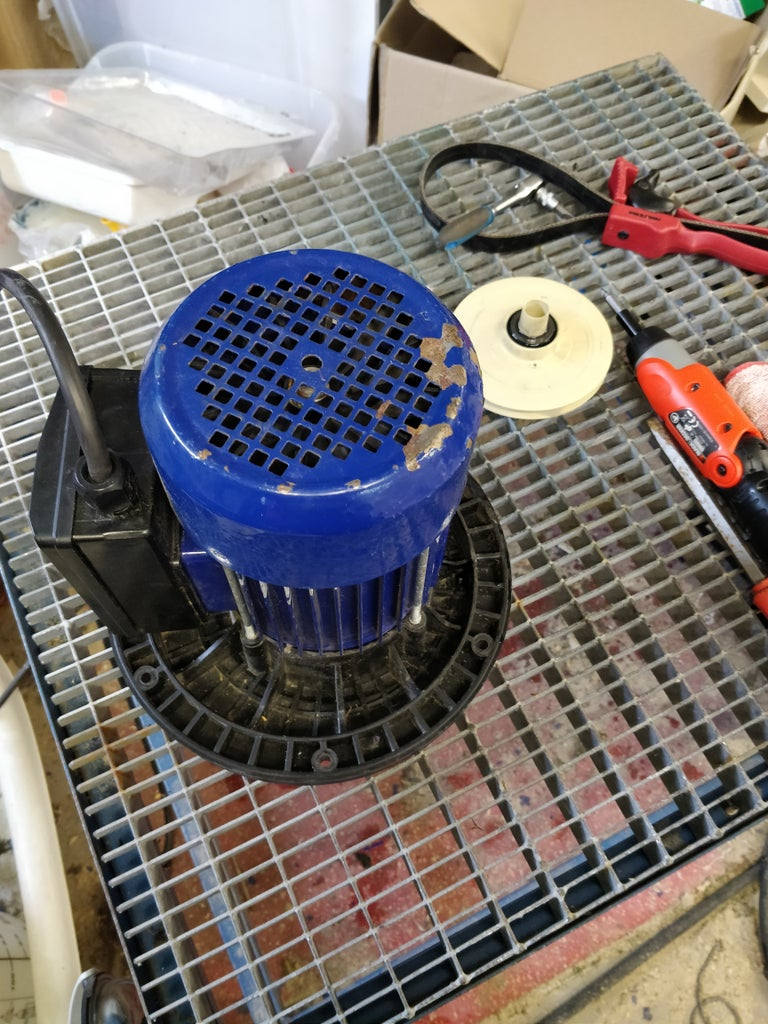 Remove the Inner Pump Housing