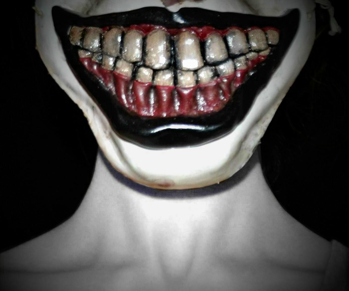 How to make Twisty the clown's mask
