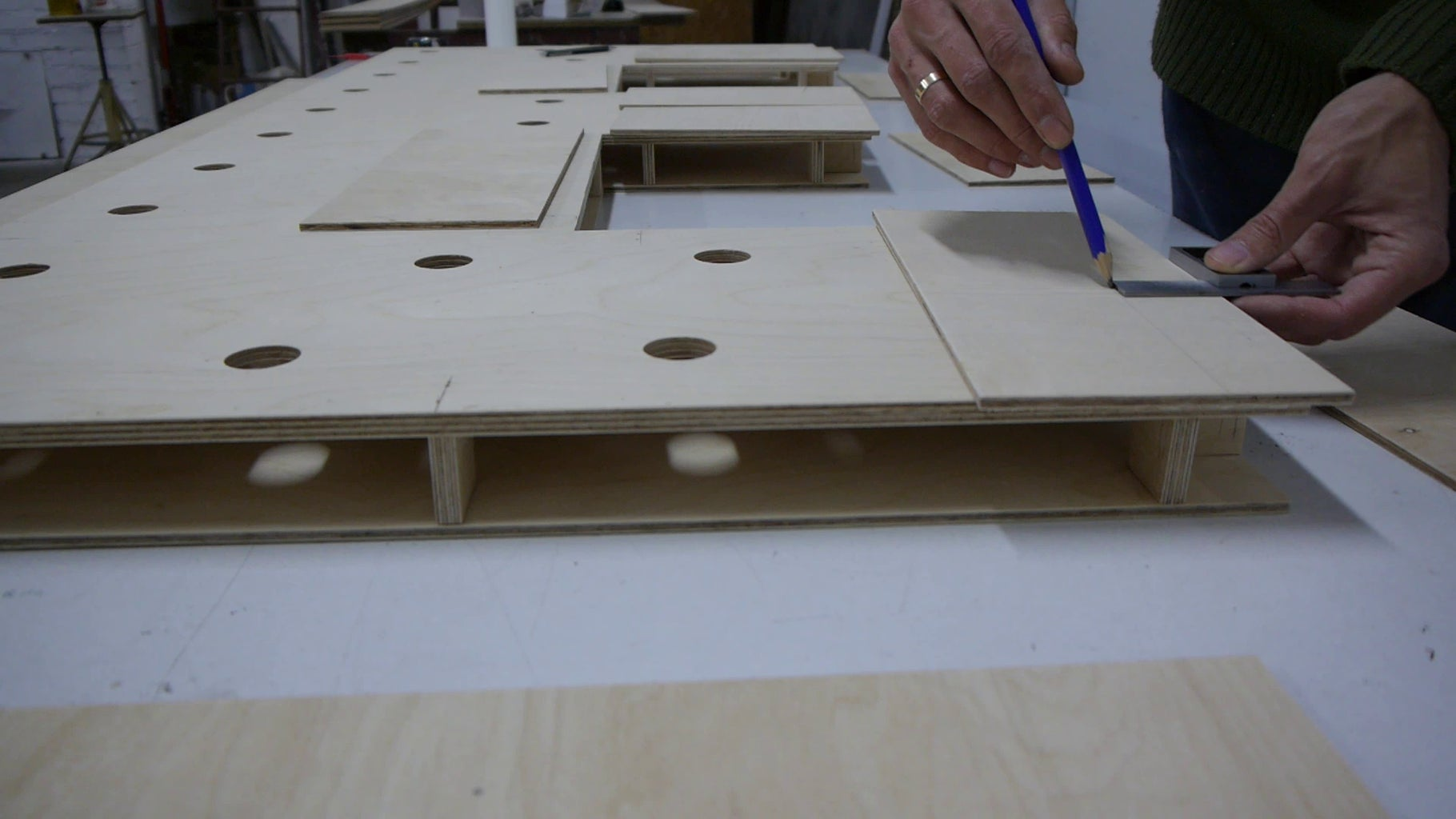 Assembly Main Structure of the Letters