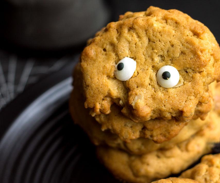 Eyeball Oatmeal Raisin Cookies