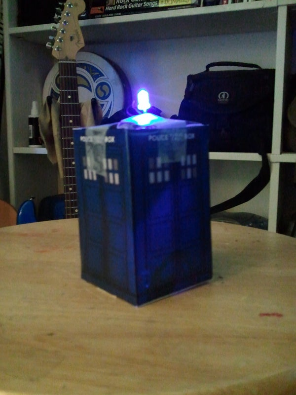 Papercraft TARDIS With Working Light