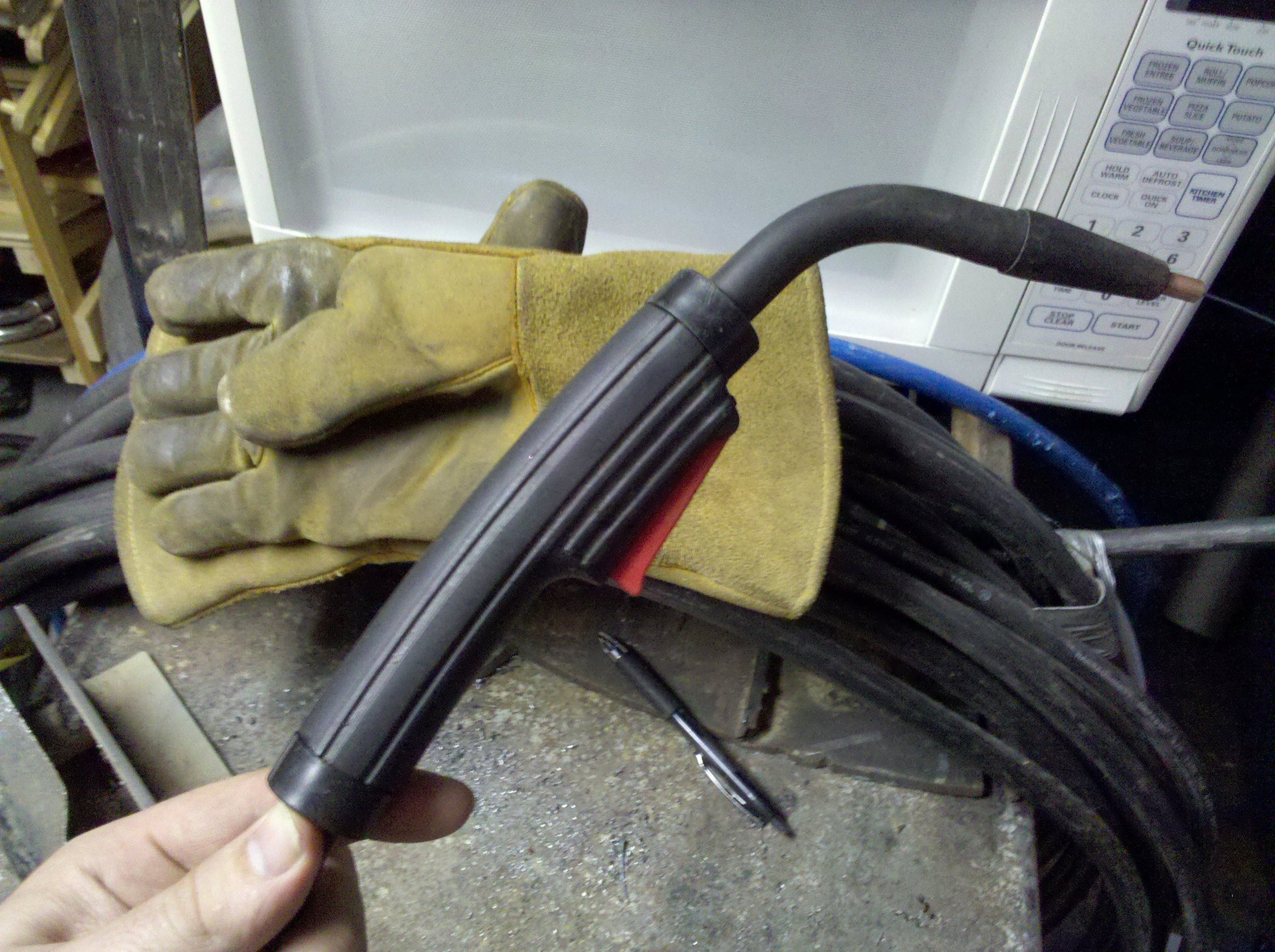 How to Fix a Lincoln MIG Welder That 'stutters' : 5 Steps ...