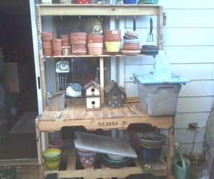 Simple Potting Bench From Pallets.