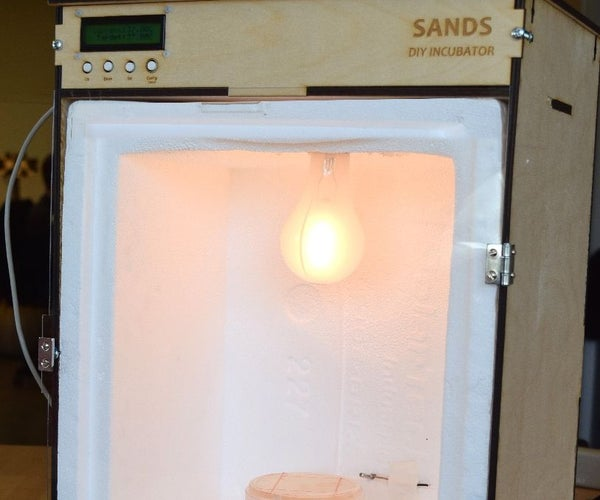 Low Cost and Accurate Incubator for DIY Biology