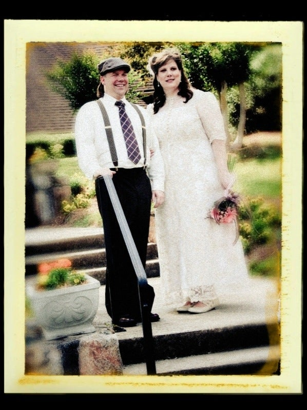 How to Have a Retro Looking 1940s Style Wedding on a Budget!