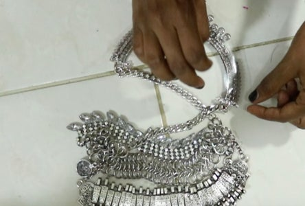 Making Pieces Look More Blingy : Putting Plastic to Give Piece More Width