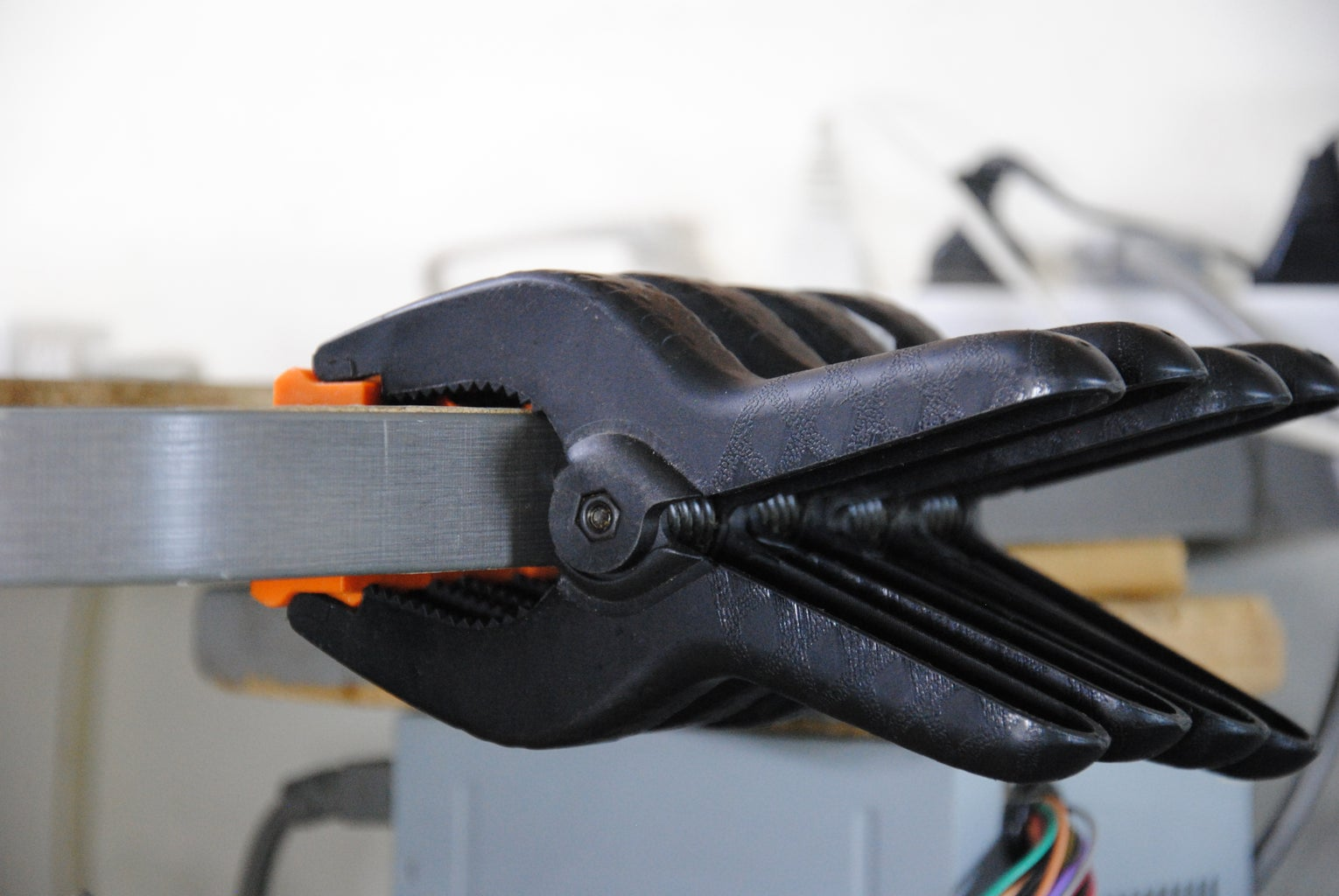 Clamp Clamps to the Edge of Your Workbench